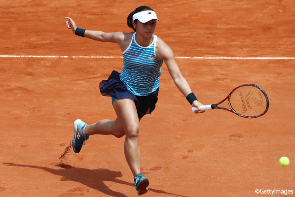 ※写真は準々決勝での土居美咲 Photo:NUERNBERG, GERMANY - MAY 25: Misaki Doi of Japan in action against Yaroslava Shvedova of Kazakhstan in the quarter final during the WTA Nuernberger Versicherungscup on May 25, 2017 in Nuernberg, Germany. (Photo by Oliver Hardt/Bongart