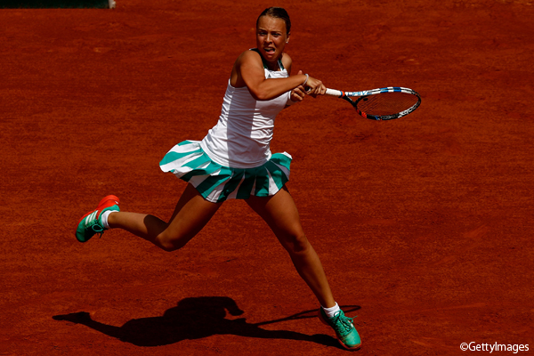 ※写真は「グスタード女子選手権」(スイス・グスタード)で決勝に進出した第3シードのアネット・コンタベイト(全仏オープンでのもの) Photo:PARIS, FRANCE - MAY 31: Anett Kontaveit of Estonia hits a forehand during the second round match against Garbine Muguruza of Spain on day four of the 2017 French Open at Roland Garros