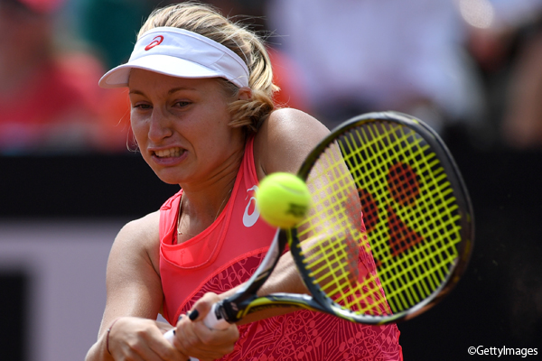 ※写真はローマの大会でのダリア・ガブリロワ Photo:ROME, ITALY - MAY 18: Daria Gavrilova of Australia plays a shot during her third round match against Svetlana Kuznetsova of Russia in The Internazionali BNL d'Italia 2017 at Foro Italico on May 18, 2017 in Rome, Italy. (Photo b