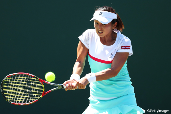 ※写真はマイアミの大会での土居美咲 Photo:KEY BISCAYNE, FL - MARCH 22: Misaki Doi of Japan returns a shot against Veronica Cepede Royg of Paraguay during day 3 of the Miami Open at Crandon Park Tennis Center on March 22, 2017 in Key Biscayne, Florida. (Photo by Al Bello/Ge