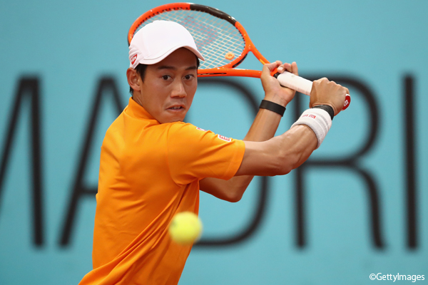 ※写真はマドリッドの大会での錦織圭 Photo:MADRID, SPAIN - MAY 11: Kei Nishikori of Japan in action against David Ferrer of Spain during day six of the Mutua Madrid Open tennis at La Caja Magica on May 11, 2017 in Madrid, Spain. (Photo by Julian Finney/Getty Images)