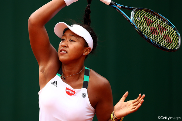 ※写真は全仏オープンでの大坂なおみ Photo:PARIS, FRANCE - MAY 30: Naomi Osaka of Japan hits a forehand during the first round match against Alison Van Uytvanck of Belgium on day three of the 2017 French Open at Roland Garros on May 30, 2017 in Paris, France. (Photo by Cliv