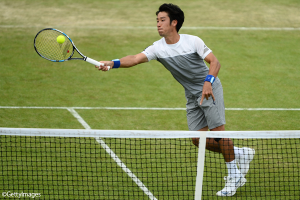 ※写真はサービトン・チャレンジャーでの杉田祐一 Photo:SURBITON, ENGLAND - JUNE 11: Yuichi Sugita of Japan hits a forehand during the final match against Jordan Thompson of Australia during the Aegon Surbiton Trophy tennis event on June 11, 2017 in Surbiton, England. (Photo by Pa